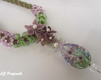 The SPRING IS COMMING beaded glass necklace