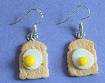 Miniature Food Earrings Mini food Baked Beans Toast Jewelry Kawaii Earrings Fried Egg Clip on Food Jewelry Egg and Beans on Toast Earrings