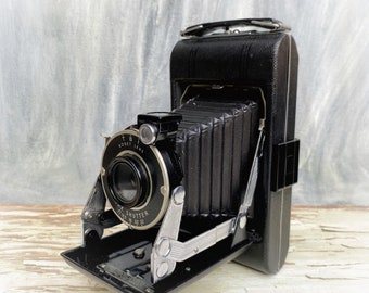 Art Deco Vintage Camera, Kodak Vigilant Junior Six-20 Folding Camera, Vintage Kodak, Gift for Camera Collector