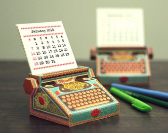 2018 DIY Printable Paper Desk Calendar Papercraft | Colorful Typewriter Miniature | Printable A4 template pdf | Gift Colleague Writer Office