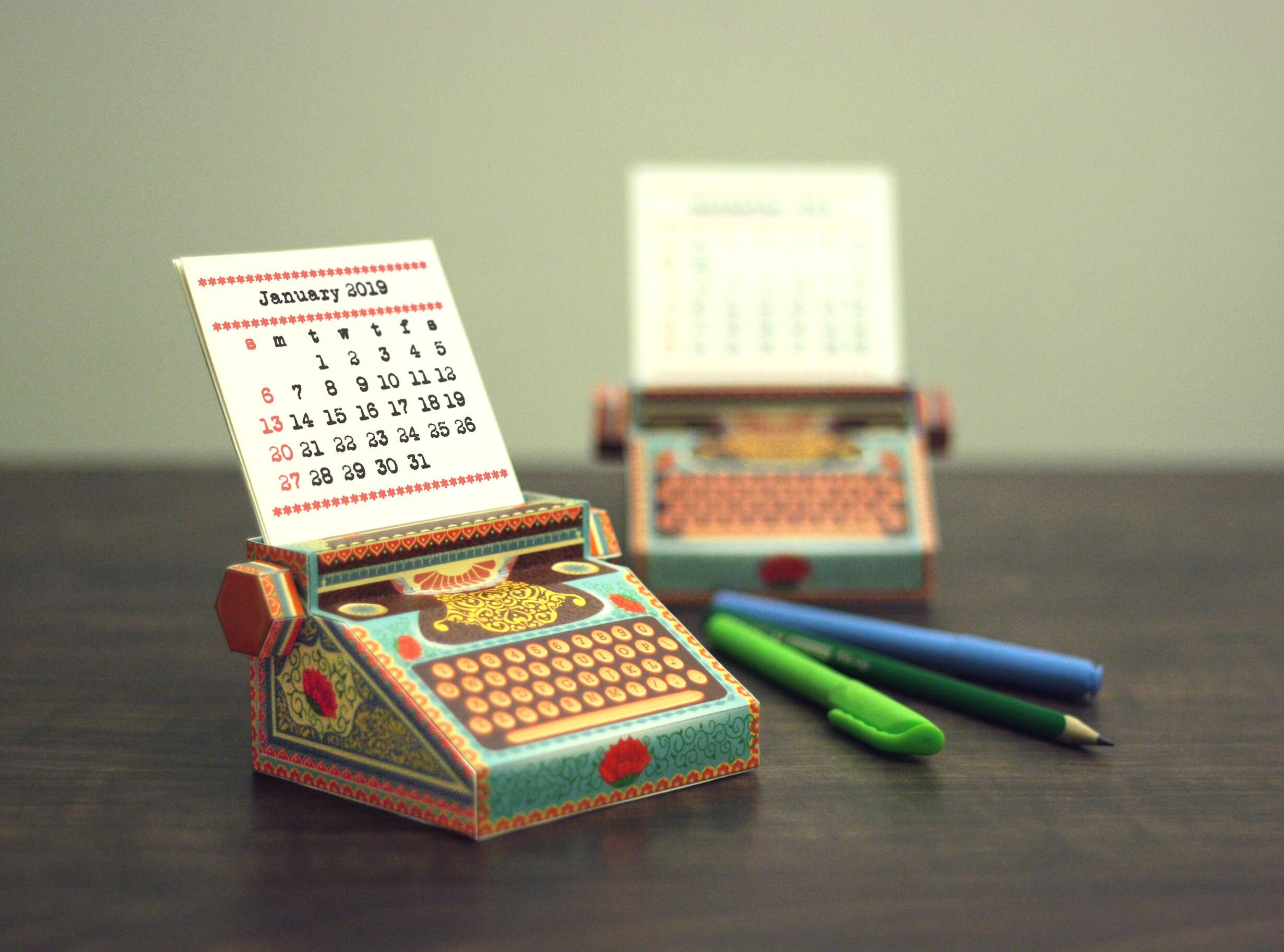 Flipboard 2019 Diy Printable Typewriter Desk Calendar Colourful