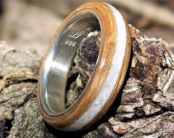 Oak Bentwood Ring - Your choice of inlay - Engravable argentium core - Personalized Jewelry / Personalized Ring / Wood Ring / Your Name