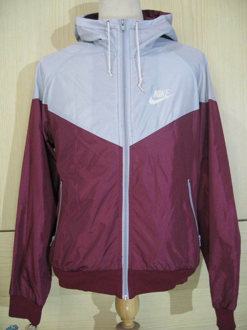 ae5ae1bf38ef Vintage Nike 1990s Windbreaker Shiny Nylon Oldschool 1980s