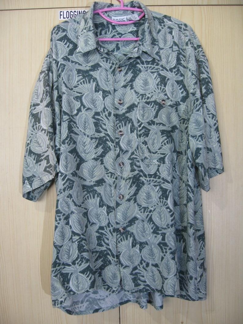 L Rayon 1990s Vintage Basic Editions Green Hawaiian Shirt Blue Floral Flower ShortSleeved Ocean Leaf Floral Hawaii overprint Button blossom