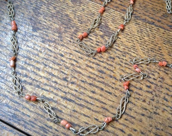 Costume Goldtone beaded coral chain