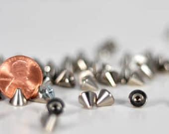 7mm silver cone spikes. Bag of 20. StudsAndSpikes screwback or glue-on craft