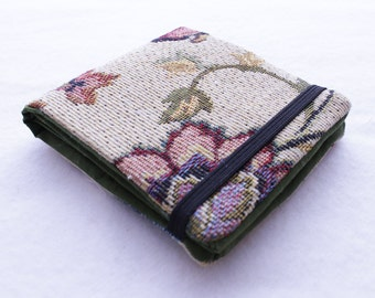 Billfold Wallet in Red, Green and Beige with Floral decoration