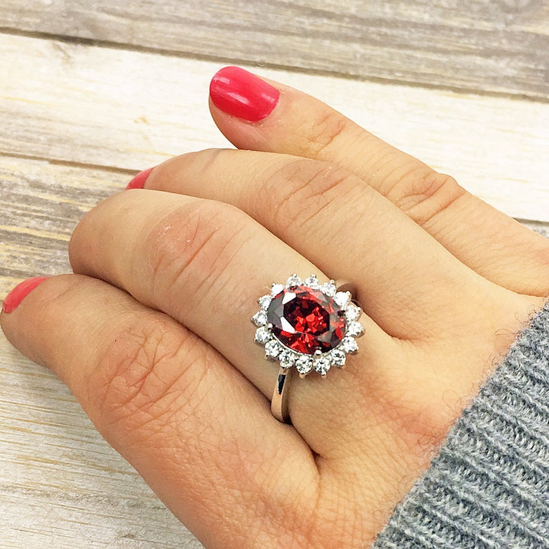 In Love/' Red Ring Halo Ring /& Sterling Silver Ring Size 6.5 Jewelry O181 The Silver Plaza