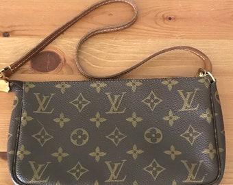 8d5eab501b Authentic vintage Louis Vuitton pochette