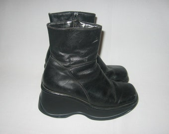 70250077d92 VTG Steve Madden Made In Mexico Goody Black Chunky High Heel Platform Wedge  Leather Upper Grunge Goth Punk Zipper Above Ankle Boots Size 6B