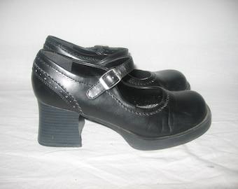 0a43addca5be VTG Lei Black Vegan Perforated Zig Zag Buckle Closure Oxford Mary Jane Goth  Grunge Rock Punk Club Kid Chunky Platform High Heel Shoes 7 1 2