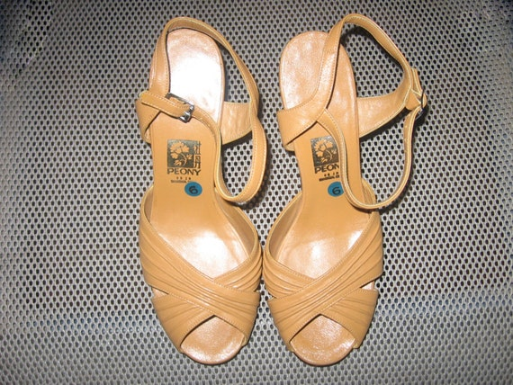 Vintage PEONY beige Nude Cinched Peep Toe Caged Buckled Strap High Heel Multifunctional Dancing Leather etc. Sandals Women Shoes Size 6
