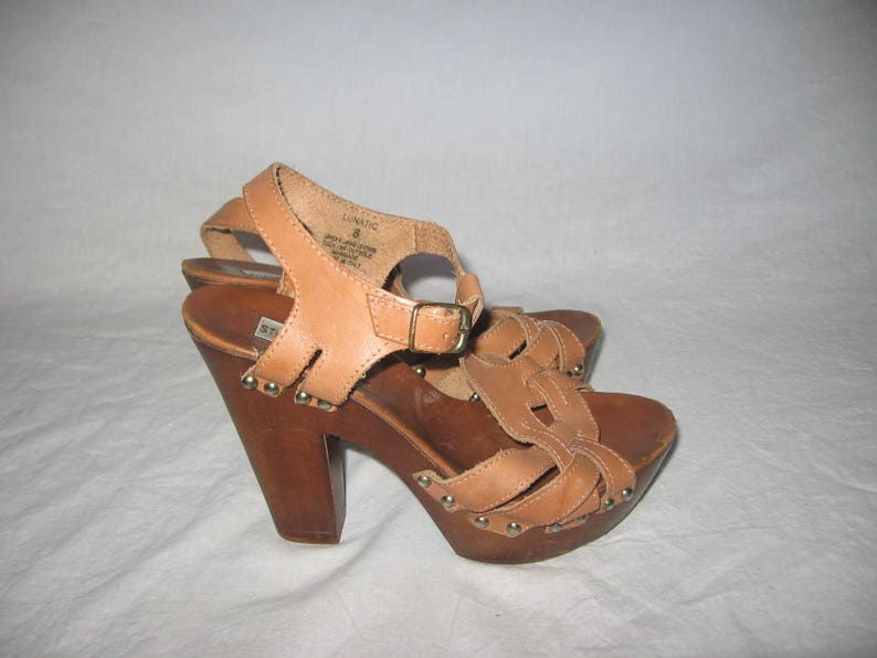 0ceec0a7280 VTG Steve Madden Lunatic Made Italy Tan Leather Gold Studs High Heel Clogs  Peep Toe Cut Out Woven Buckle Ankle Strap Sandals Shoes Size 38