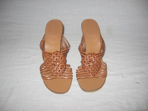 Vintage Banana Republic Tan Brown Woven Macrame Strappy CagedHigh Wedge Heel Leather Slide Hippie Boho Sandals Shoes Size 5?