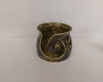 YARN BOWL - Amber Reverse Spiral Cut - Hand Made Ceramic #791
