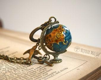 Spinning Globe Necklace Bird World Map Jewellery Worldmap Bronze Gift Traveller Wanderlust Globetrotter Birthday Gift Woman Girl Her Vintage