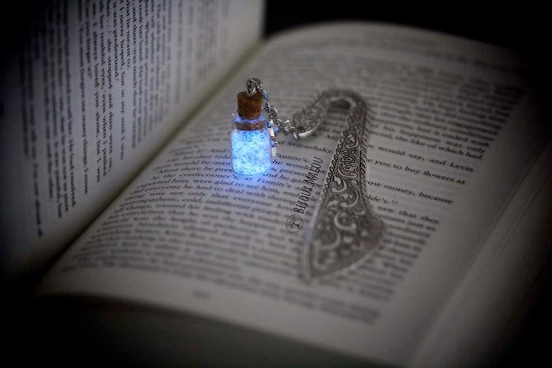 Glowing Bookmark Glow in the Dark and Glitter Bottle on Metal image 0
