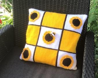 Sunflower Pillow Knitting Pattern, Sunflower and Bee Cushion, Summer knitting pattern, Flower design, Bee crafts, digital download