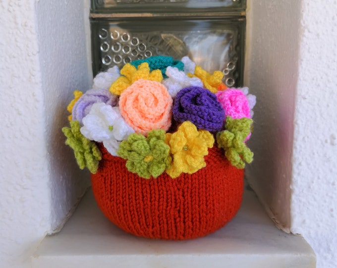 Doorstop Flowerpot Knitting Pattern, Flower Decoration, Handmade Flowers, Flowerpot with Roses and Daises Knitted Gift, Download Digital PDF