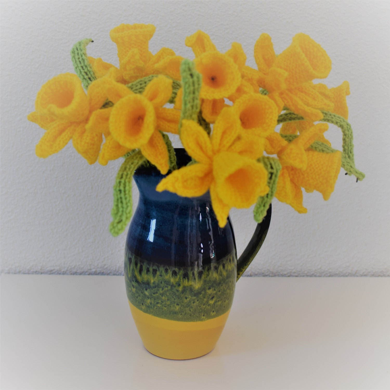 Flower knitting pattern, Knitting pattern for daffodils