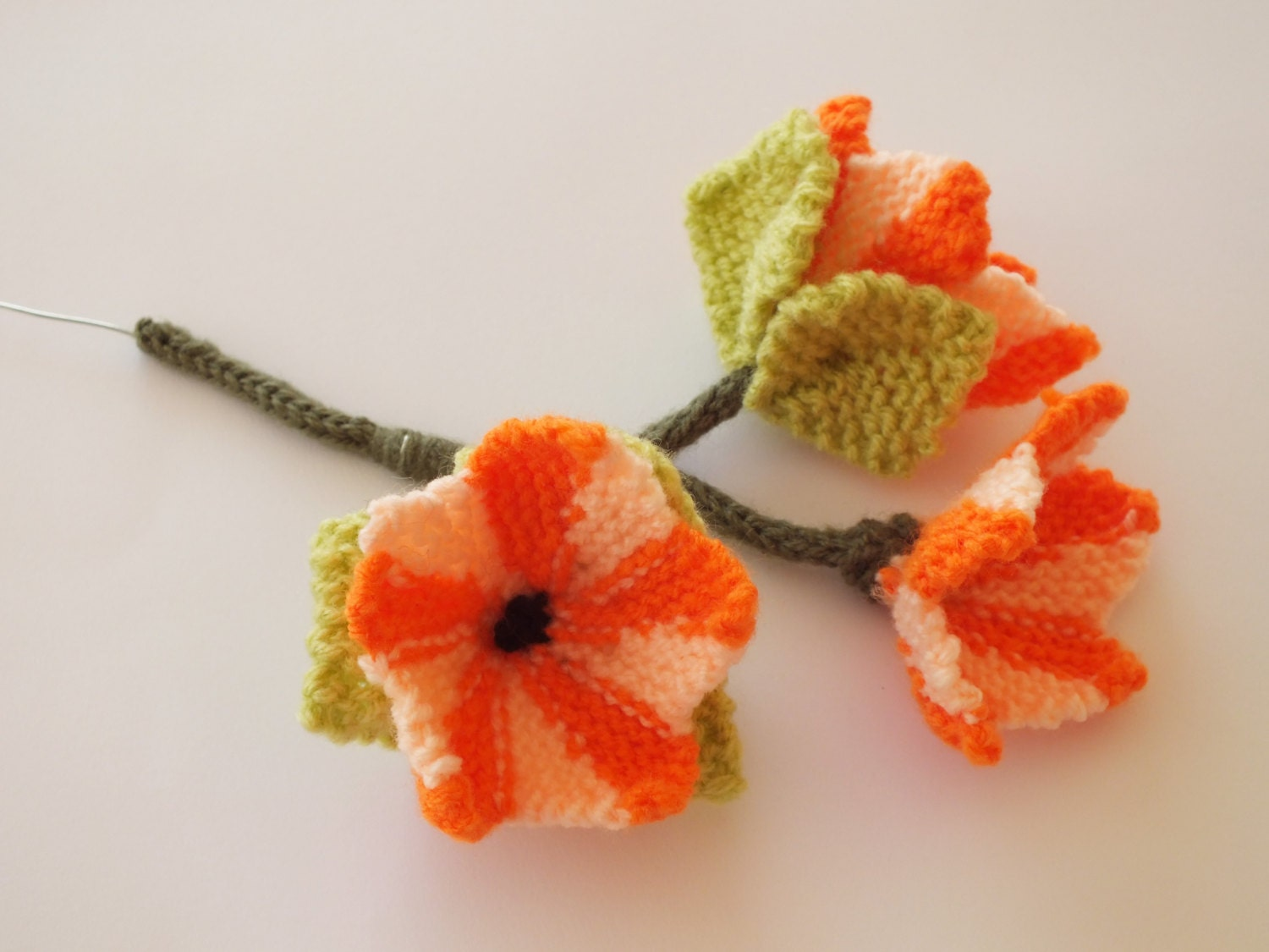 Knitting Pattern for flower hanging basket, Flowers and