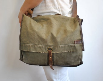 Vintage HACK SWISS ARMY messenger laptop bag with advance patina .................(377)