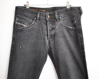 46e75be5 Vintage DIESEL MEN'S JEANS black jeans W-32................(150)