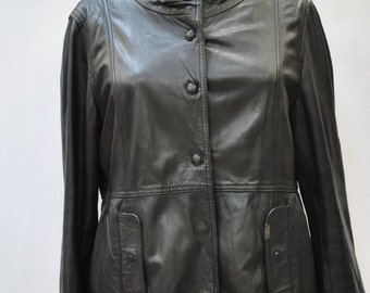 8a0cd763a Vintage NAF NAF women s leather jacket....(082)