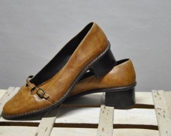 8227ab775f BATA Vintage Leather shoes....(041)