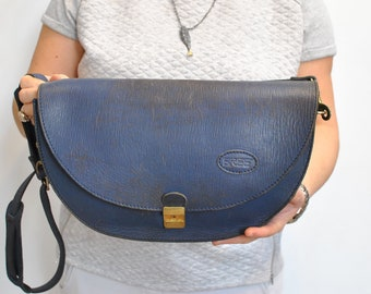 ca43150aa12 Vintage BREE MESSENGER LEATHER bag with advance patina ...............(630)