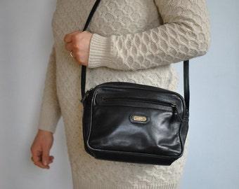Vintage L.CREDI leather shoulder bag ......(472)