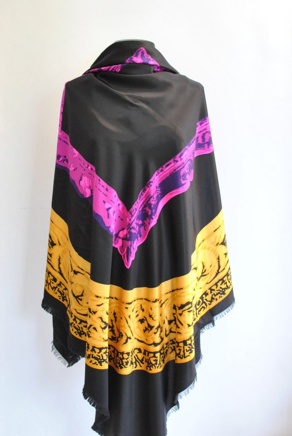 Vintage ULTRA BIG SIZE printed silk scarf.........