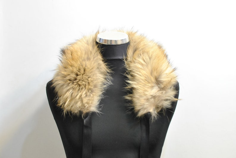 Vintage FOX FUR COLLAR .............. 071