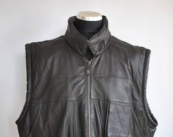 Vintage MEN'S LEATHER VEST , vintage front pocket vest..........(084)