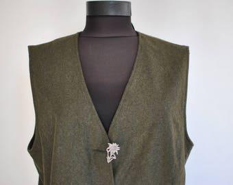 Vintage LANDHOUSE wool women's vest............(089)