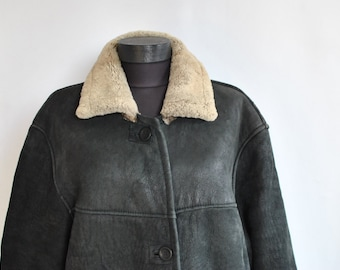 Vintage ORIGINAL SHEARLING COAT , women's lamb fur coat ......(662)