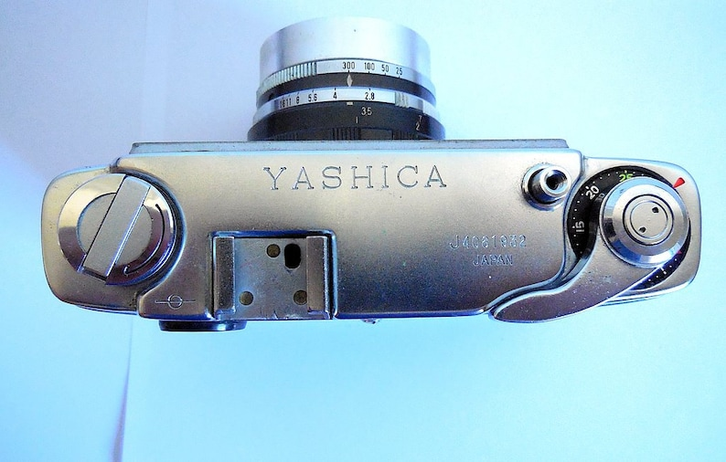 made in Japan Case Vintage Yashica J 1960s Camera with 1:2.8 f = 4.5cm lens
