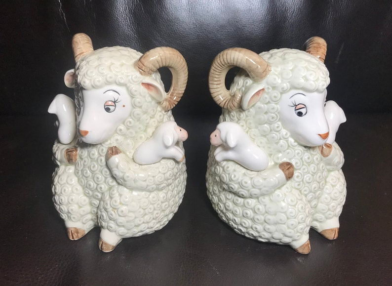 Vintage QQ QQuon-Quon made in Japan Ram Sheep Ewe Bookends Ceramic