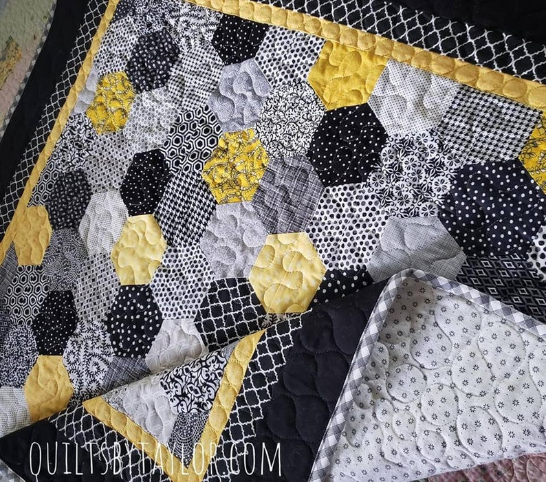 Homemade Quilts For Sale >> Quilt For Sale Modern Hexagon Quilt Made To Order Quilt Etsy