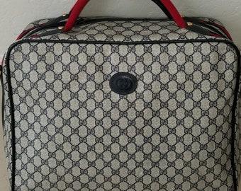 b20999fb4f2 Adorable Vintage Gucci Unisex Luggage Duffel Bag