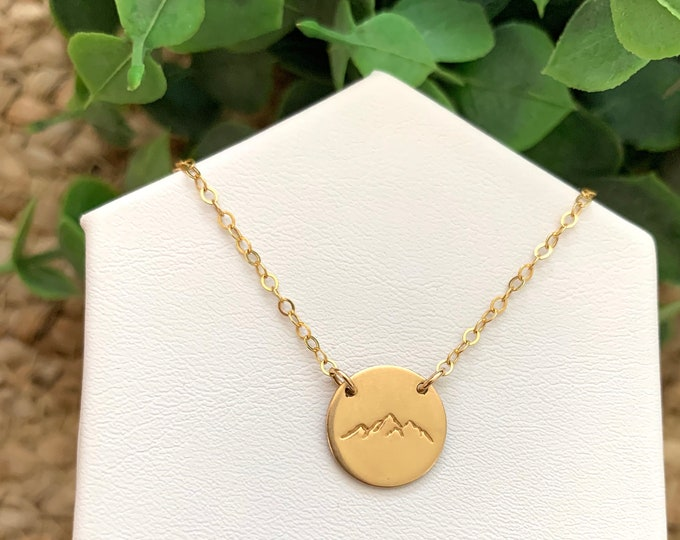 The MOUNTAINTOP Necklace in Gold