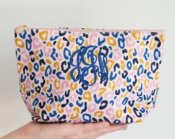 Leopard Print Cosmetic Bag, Leopard Print Makeup Bag, Leopard Zipper Bag, Toiletry Bag, Personalized Makeup Bag, Leopard Zipper Pouch