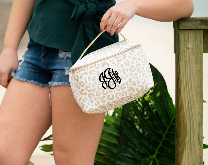 Monogrammed MakeUp Bag, Leopard Make Up Bag, Cosmetic Bag, Leopard Train Case, Toiletry Bag, Gifts for Her, Personalized Train Case