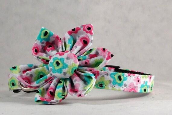 Collier pour chat ou chaton collier avec fleur ou noeud papillon - Flamingo Floral - livraison gratuite