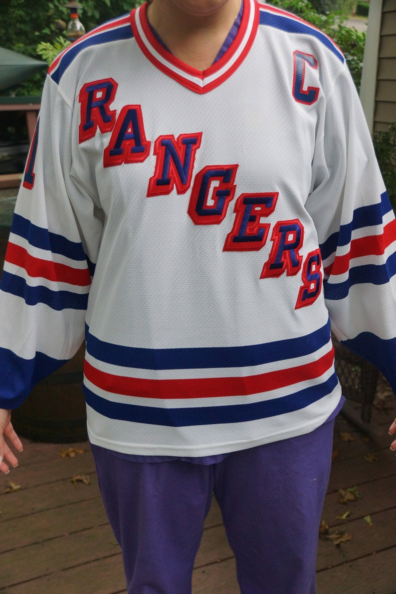 free shipping 79b7c 9184e Vintage CCM Messier Rangers Jersey