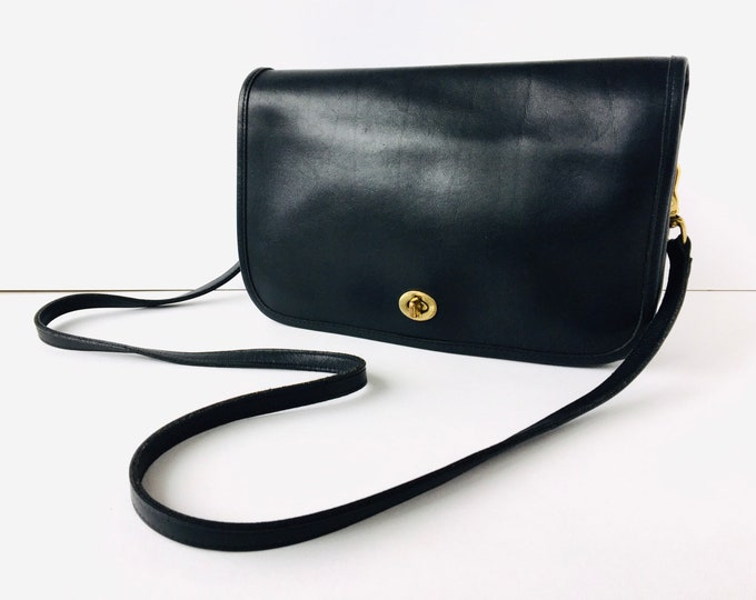 1990s Coach Convertible Clutch - Vintage Black Leather Purse with Turnlock - Made in America 9635