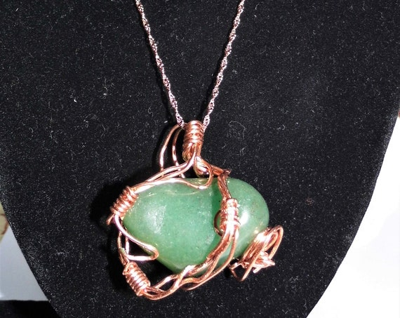 Green Aventurine Necklace,  Wire Wrapped Aventurine, Pendant  Necklace,  Heart Gemstone Pendant, Crystals for Healing