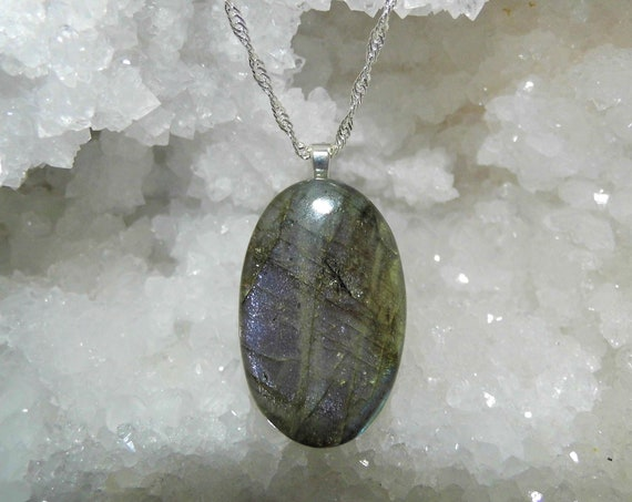 Labradorite Necklace, Labradorite Oval Pendant, 925 Silver Singapore Necklace, Gemstone Necklace