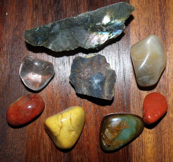 General Healing Crystals with  Labradorite Plaque, Yellow and Red Jasper, Smoky and Clear Quartz, Blue Agate, Bloodstone and Carnelian