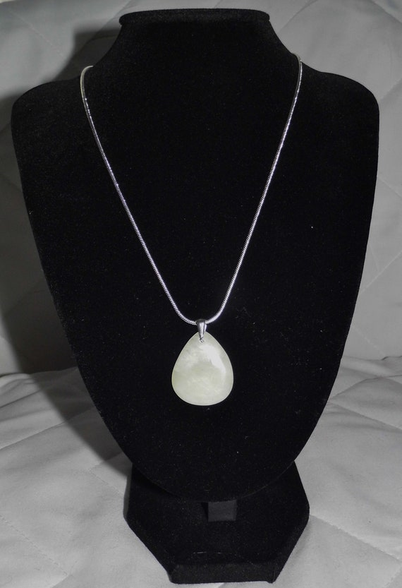 Green Aventurine Necklace,  Teardrop Necklace, Pendant Necklace, Sterling Silver Necklace, Crystals for Healing